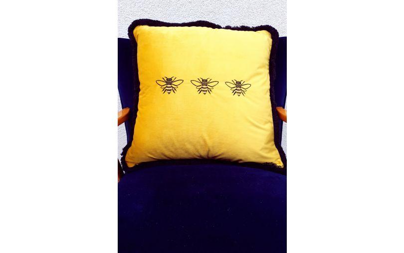 Aksamitna poduszka premium pszczoły