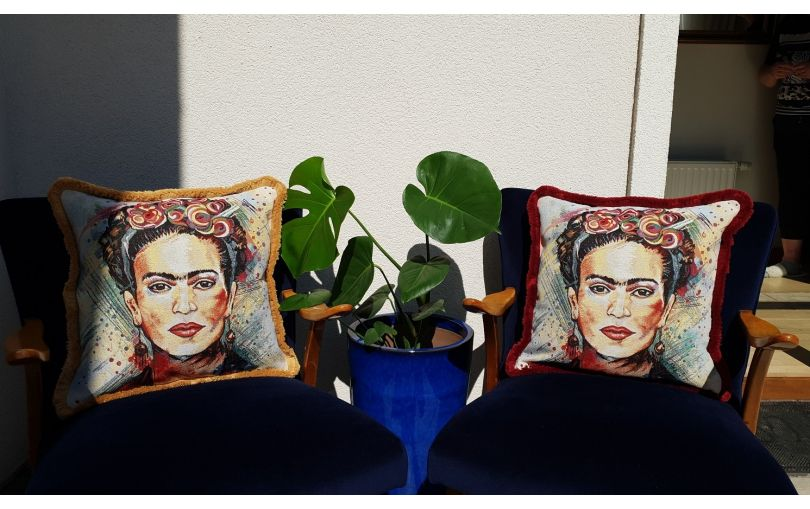 Żakardowa poduszka premium Frida Kahlo bordo